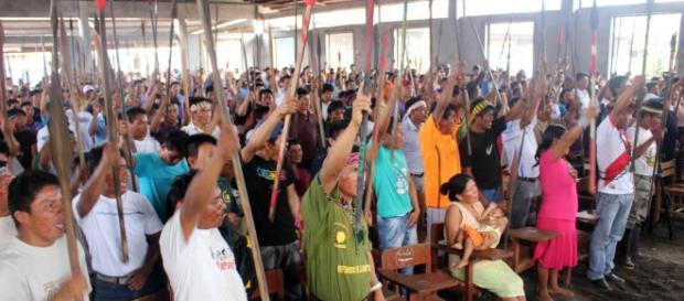 Asamblea indígena frente a la contaminación petrolera. Foto: Observatorio Petrolero de la Amazonía Norte (Puinamudt)