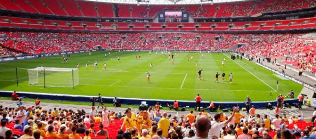 Estadio de Wembley, es un estadio de fútbol que está ubicado en la ciudad de Londres, Inglaterra.