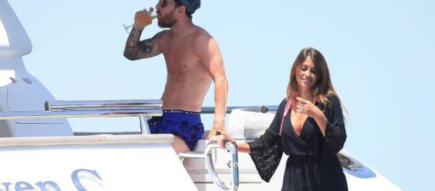 Messi se relaja en un yate de 7.800 euros al día en Ibiza