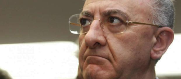 Vincenzo De Luca interviene a difesa del figlio Roberto, indagato per corruzione
