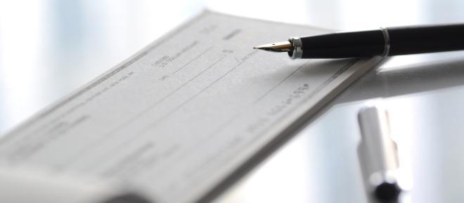 Assegni: cambia tutto, multe di 6mila euro per chi non mette questa scritta