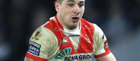 Mark Percival scored a hat-trick as St Helens swept aside reigning league leaders Castleford. Image Source - jerseyeveningpost.com