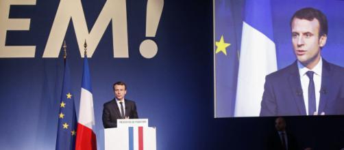 Le Président Macron en marche pour la réforme de l'Etat