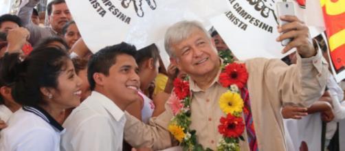 Manuel López Obrador ha sido comparado al ex-presidente de Venezuela, Hugo Chávez.