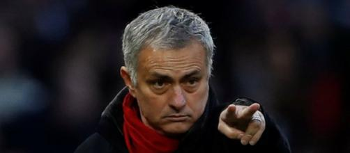 Mourinho busca reforzar la defensa.