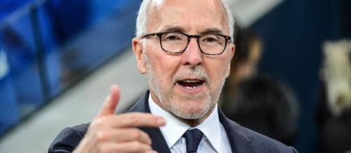 Si l'OM est surveillé par l'UEFA, Frank Mc Court devrait pouvoir faire avancer son club comme il l'entend (foot01.com).
