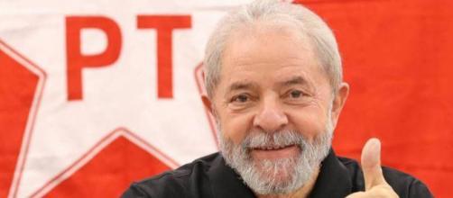 Tribunal Regional Federal manda devolver passaporte de Lula