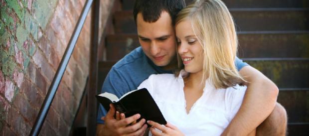 A palavra namoro não esta na Bíblia, mas o sentido verdadeiro sim