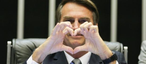 Bolsonaro é o presidenciavel mais popular nas redes sociais.