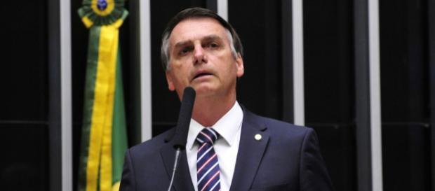 Bolsonaro vai bem na espontânea