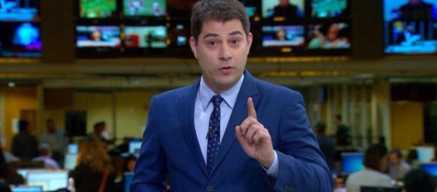 Evaristo Costa ironizou emissora