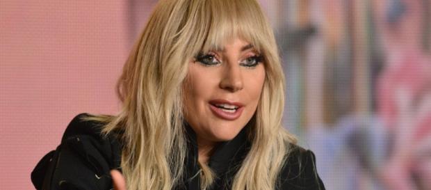 Lady Gaga malata cancellate le date del suo tour