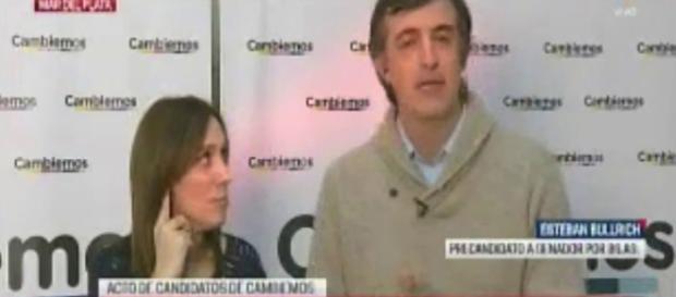 Vidal liquidando con la mirada en vivo a un torpe Bullrich al micrófono