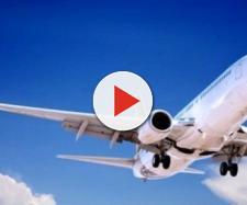 Flautolenza a bordo di un aereo: costretti ad atterraggio d'emergenza