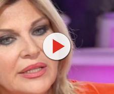Gossip, Nadia Rinaldi attacca la produzione dell'Isola dei famosi: 'Loro sanno'.