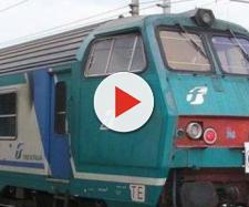 Un treno di Trenitalia sulle rotaie