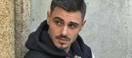 Dopo una fine, tutto ricomincia, nuovo look e tattoo per Francesco Monte