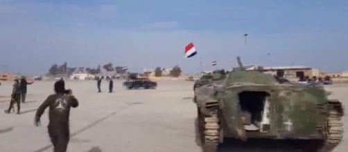Forças sírias chegam em Afrin para combater tropas turcas. Foto: Reprodução/HispanTV