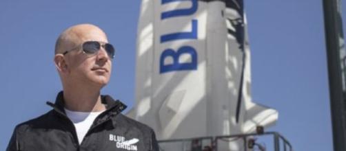 Jeff Bezos, CEO di Amazon ha superato Bill Gates (fonte dublinnews)
