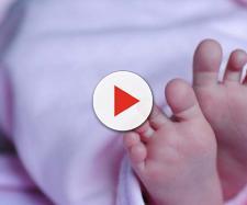 Gran Bretagna: neonato massacrato dai genitori.