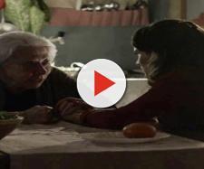 Mercedes faz revelação para Clara (Foto: Divulgação TV Globo)