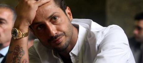Fabrizio Corona lascia il carcere. Verrà affidato in comunità