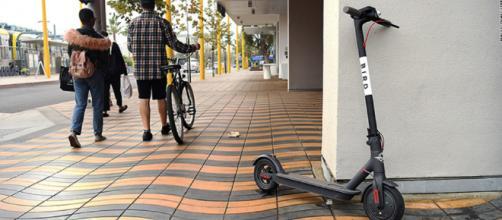 Ahora se pueden alquilar más de 1,000 scooters por tan solo un dólar o dos en Santa Monica, California.