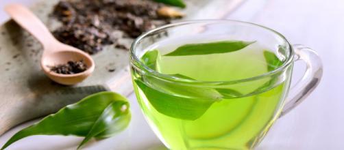 El té verde reduce el riesgo de cáncer, ayuda a perder peso, mejora las funciones del cerebro y tiene muchos beneficios para la salud