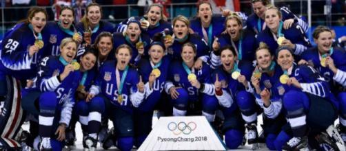 Estados Unidos por fin pudo vencer a Canadá tras tres finales Olímpicas seguidas acabando en derrota. yahoosports.com.