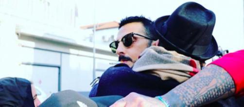 Fabrizio Corona lascia il carcere (Foto dal Profilo Instagram di Gabriele Parpiglia)