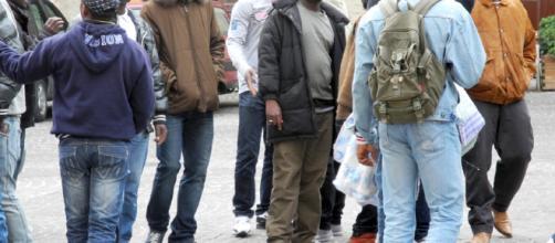 Immigrati in protesta a Roma per il pocket money