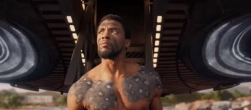 T'Challa preparing for a ritual combat to claim the throne. [Image via FilmSelect Trailer/YouTube screencap]