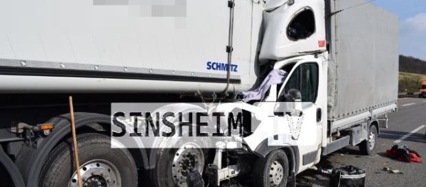 Er fuhr bis zum Anschlag auf den LKW auf. Foto: SinsheimTV/Buchner
