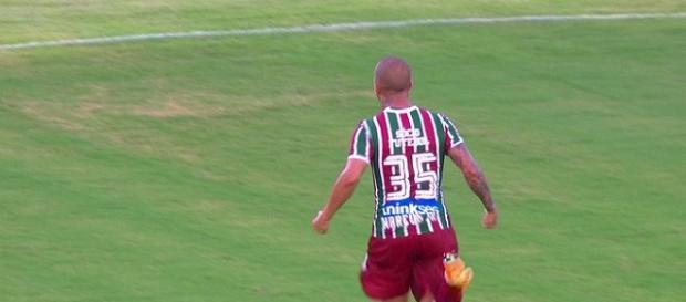 Marcos Júnior fez dois gols na vitória de 4 a 0 sobre o Bangu pela Taça Rio (Foto: Reprodução/Premiere)