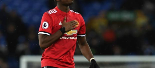 Paul Pogba nombrado en la banca de suplentes para el enfrentamiento del Manchester United