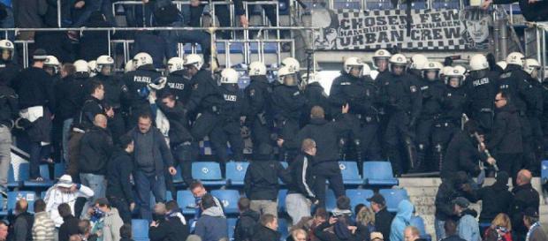 Polizei beim Fußball: Bremen bittet DFL zur Kasse | FR.de - fr.de