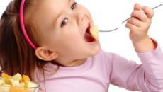 Pedirle a sus hijos que coman no hace una pizca de diferencia