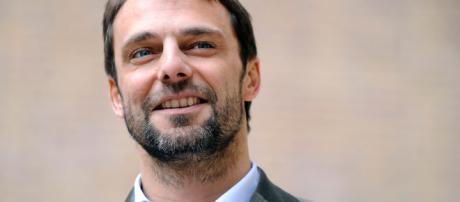 Alessandro Preziosi: «Non vi sembra che abbia naso?» - Grazia.it - grazia.it