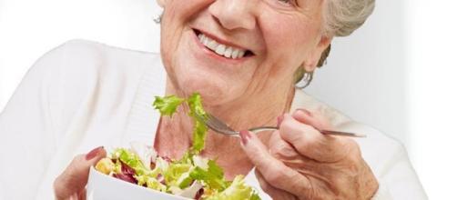 Alimentación adecuada para los adultos mayores