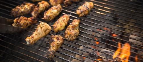 Cómo: asar alitas de pollo - kingsford.com