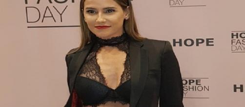 Deborah Secco com sua lingerie arrancou suspirou no evento da Hope (Imagem: Reprodução/Internet)