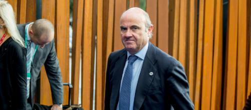 El nuevo cargo de Luis de Guindos le costará mucho dinero a los españoles