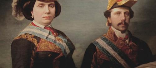Francisco de Asís de Borbón a la derecha, también conocido como 'Paquita'