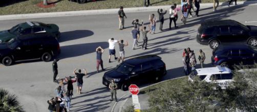 Imágenes tras el tiroteo en una secundaria de Florida - Proceso - com.mx
