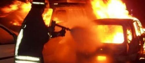Arrestato dopo aver incendiato l'auto del compagno della ex moglie - padovaoggi.it
