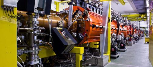 Una foto muestra el desacelerador antiprotón en el CERN