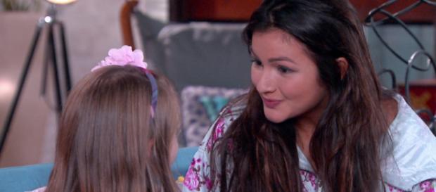 Cassandra pretende destruir madrasta e seu bebê em Carinha de Anjo.