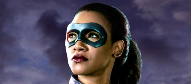 Iris West se enfunda el traje de velocista en The Flash