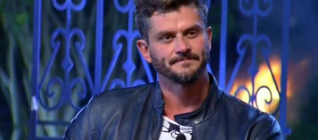 Marcos Harter é criticado por Dani Bolina