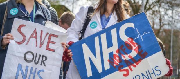 NHS facing 'unprecedented' nursing crisis with 40,000 posts ... - thesun.co.uk